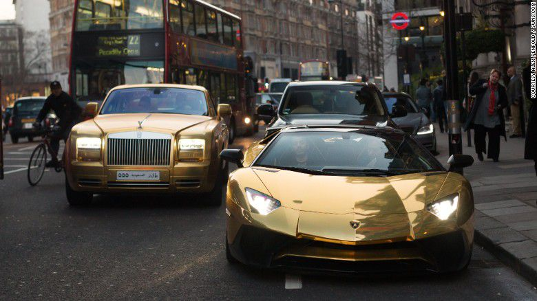 160330151915-gold-cars-pair-exlarge-169